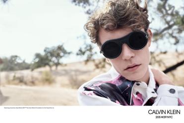 Calvin Klein Eyewear présente ses nouvelles collections rebaptisées en 2018