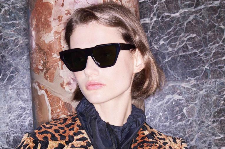 ... Inc. et Victoria Beckham Ltd. ont annoncé aujourd hui avoir conclu un  accord exclusif de licence mondiale à long-terme pour des lunettes de soleil  et ... a6e2e90856da