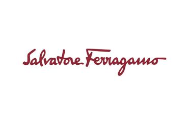 SALVATORE FERRAGAMO PRÉSENTE SES SOLAIRES EN CUIR DANS LA CAMPAGNE PUBLICITAIRE PRINTEMPS/ÉTÉ 2019